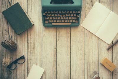 lolajaye-writting-page-pic